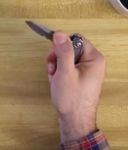 otevření nože jednou rukou